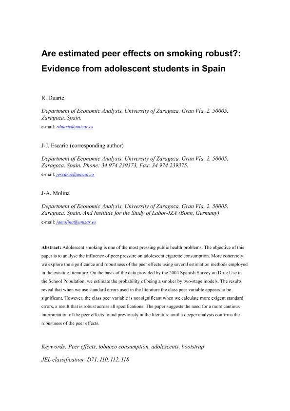 Are estimated peer effects on smoking robust? Evidence from adolescent students in Spain