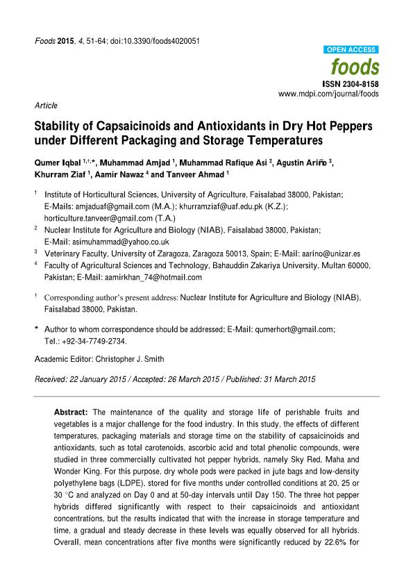 Stability of Capsaicinoids and Antioxidants in Dry Hot Peppers under Different Packaging and Storage Temperatures